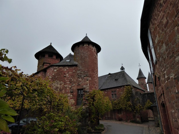 Collonges-la-rouge (central towers)