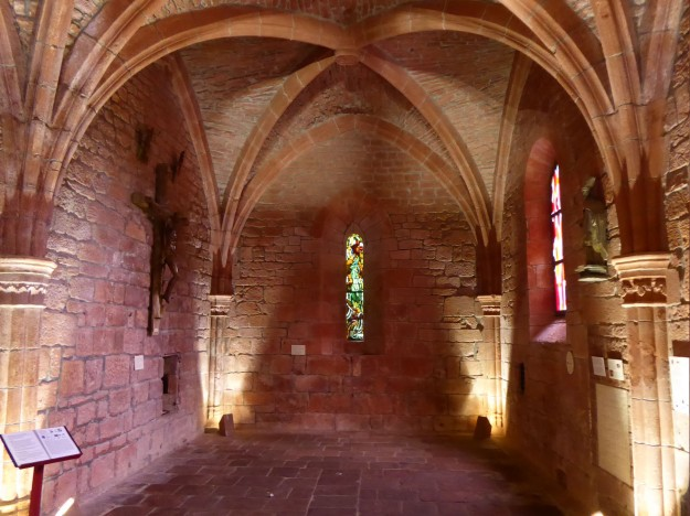 Collonges-la-rouge (church interior)