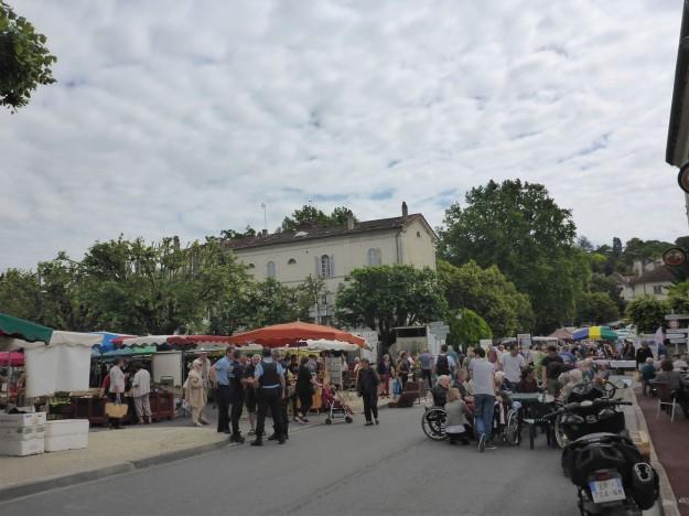 Riberac - busy market