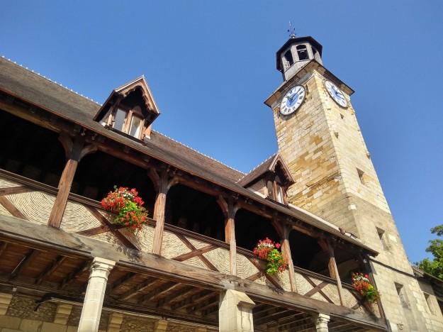 Montlucon (chateau facade)