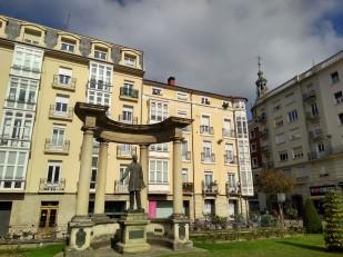 Vitoria Gastiez (palacio square)